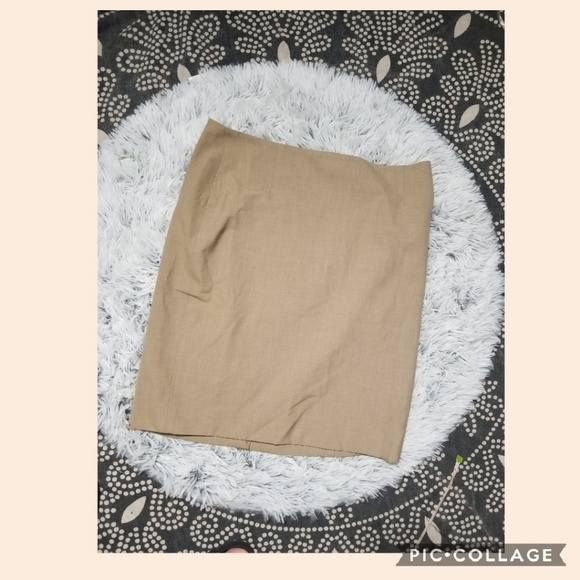 The Limited Dresses & Skirts - The Limited tan straight skirt size 6 NWT
